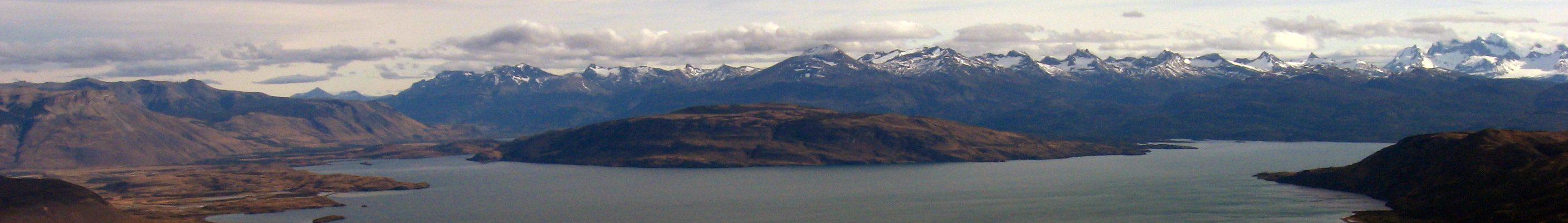 Patagonia_LagoDelToro_crop